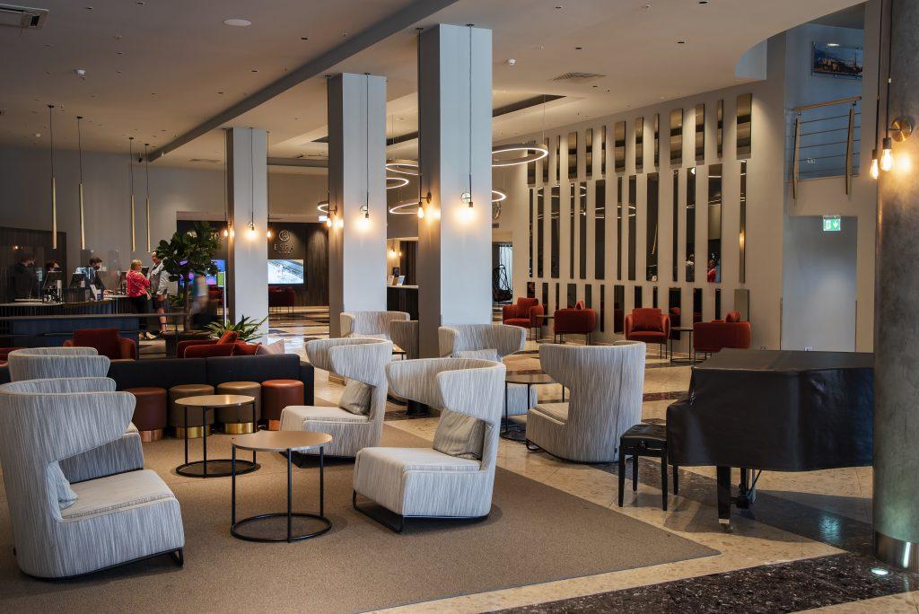Lobby (11)